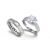 Brilliant Cut Round Diamond & Baguette Diamond Engagement Ring & Matching Wedding Band in Platinum